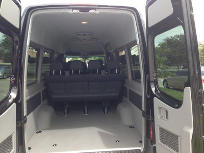 Van_Mercedes_Sprinter_2013_black_danny_int1